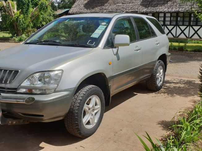 Toyota Harrier RX300 in Tanzania