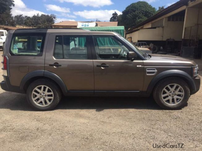 Land Rover Discovery 4in Tanzania