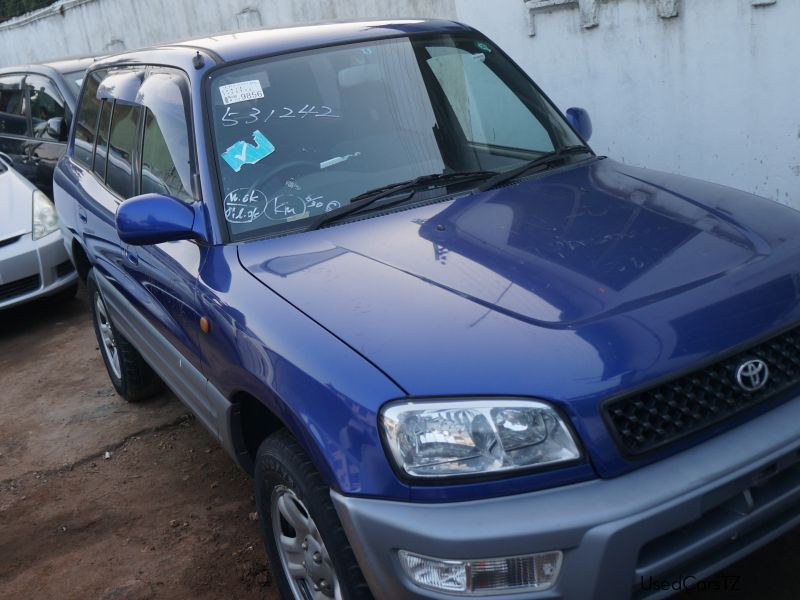 Used Toyota toyota rava4 for sale in Dar es Salaam